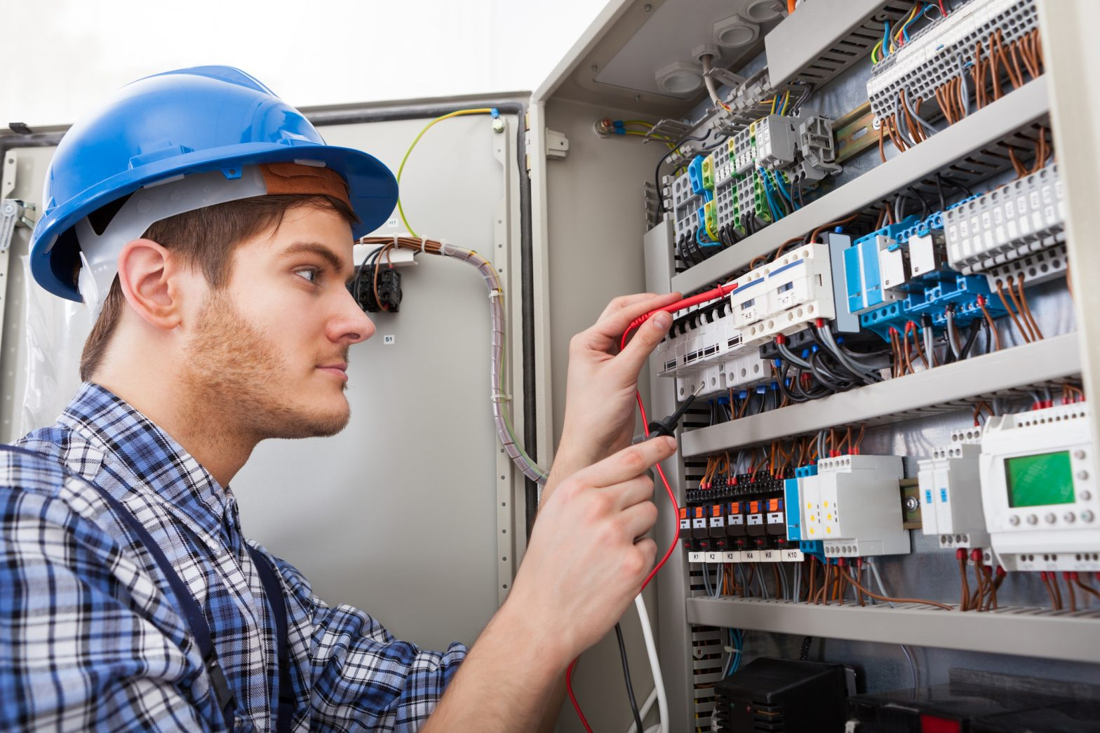 Choosing The Right Electricians